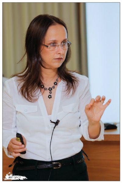 """ד""""ר ורדה מרצה על פיברומיאלגיה ופעילות גופנית"""