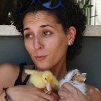 נטע קובלסקי - מסייעת לטיפול בעזרת בעלי חיים